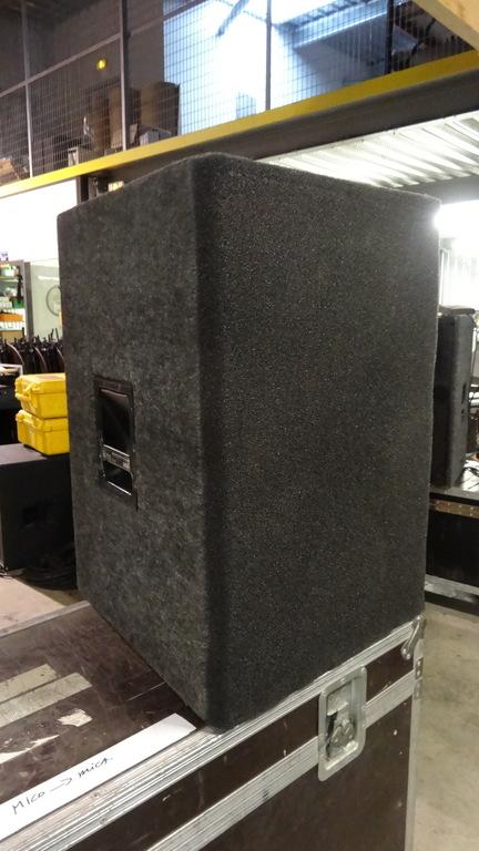 Meyer - CQ-2 Powered Loudspeaker Cabinet