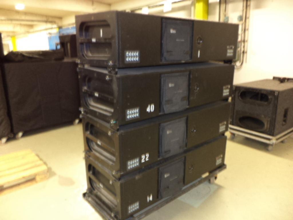 Meyer - MILO: High-Power Curvilinear Array Loudspeaker
