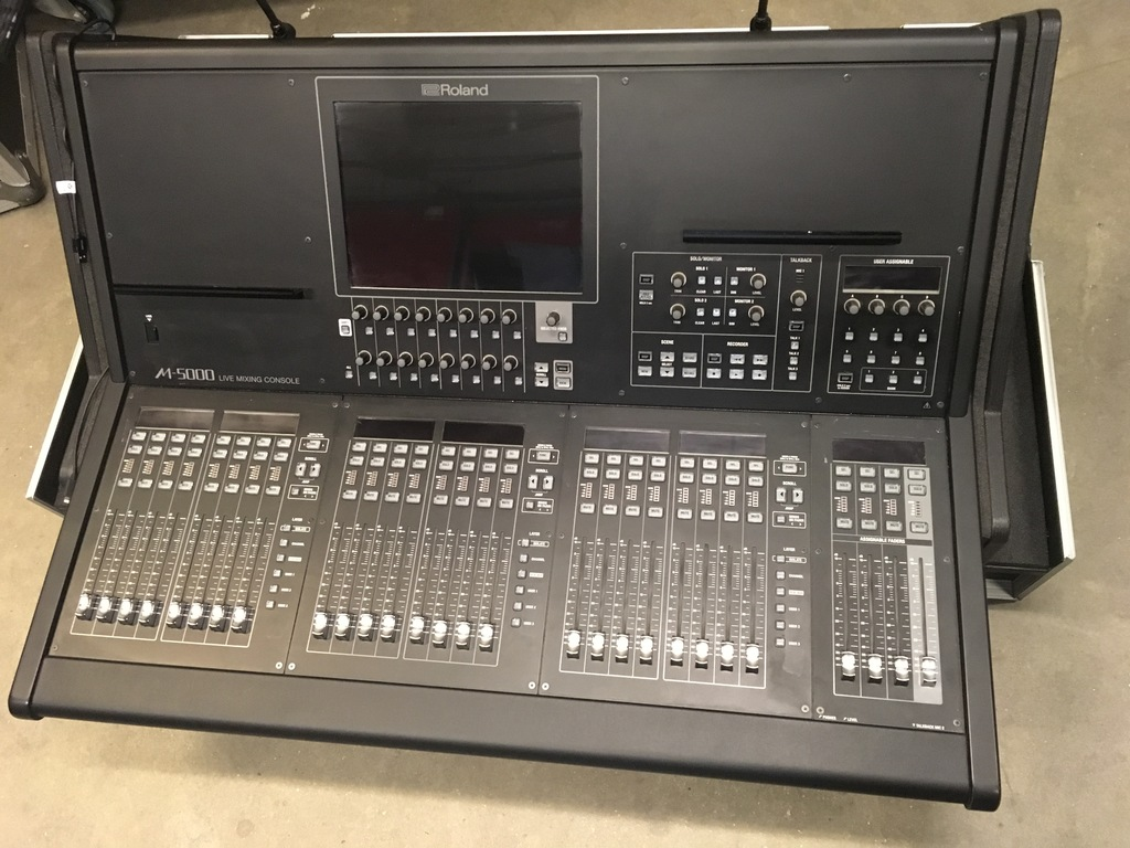 Roland-M5000-Series-Live-Mixing-Console-Package
