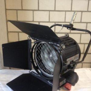 Strand –  Studio 2K Fresnel Spotlight