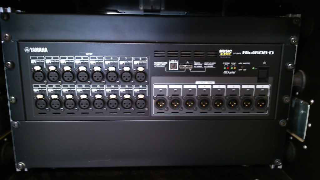 Yamaha-RIO1608-D-I/O-Rack