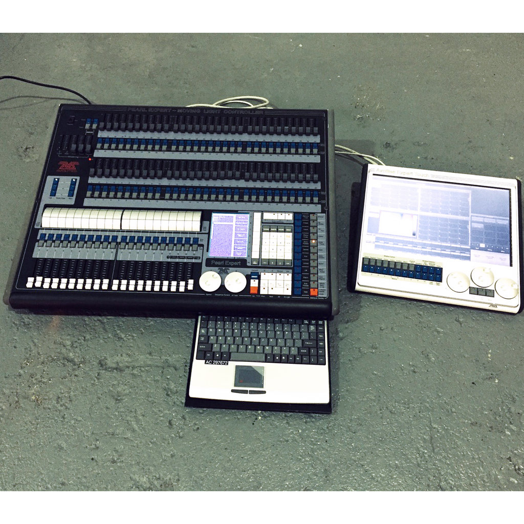 Avolites – Pearl Expert Console c/w Touch Screen Upgrade