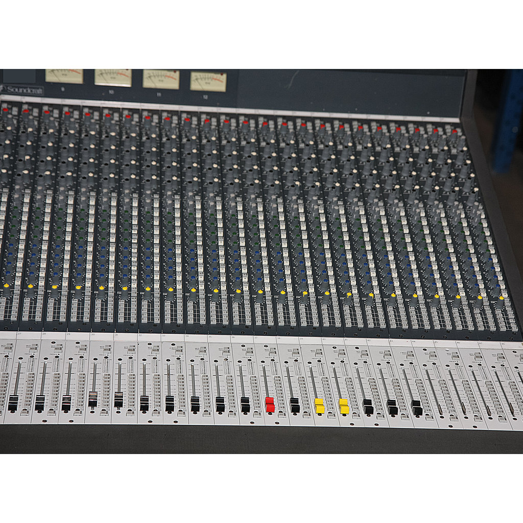 Soundcraft Series Five FOH + Twin PSU – Buy now from 10Kused