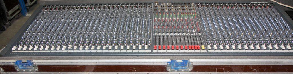 Soundcraft Monitor 2 40ch Console