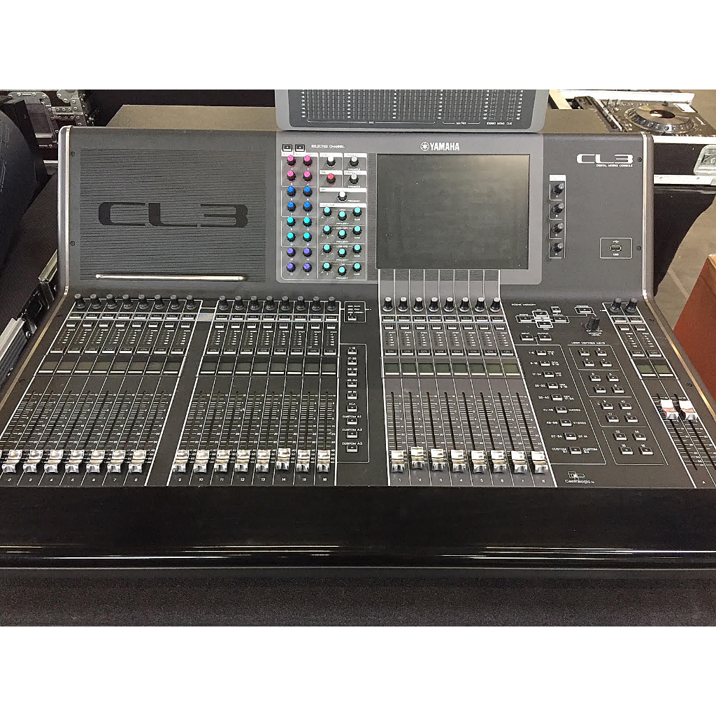 yamaha cl3 audio mixer buy now from 10kused. Black Bedroom Furniture Sets. Home Design Ideas
