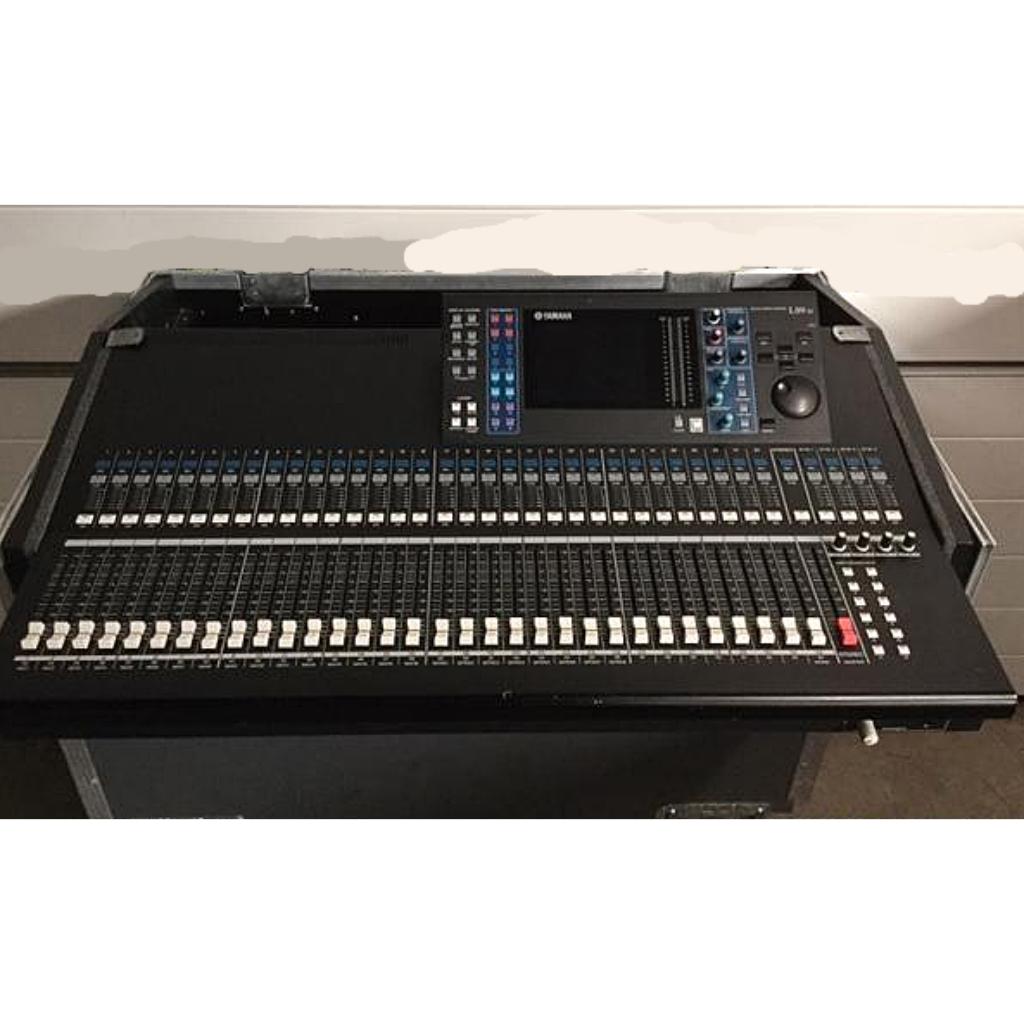 Yamaha LS9 32CH With Flightcase
