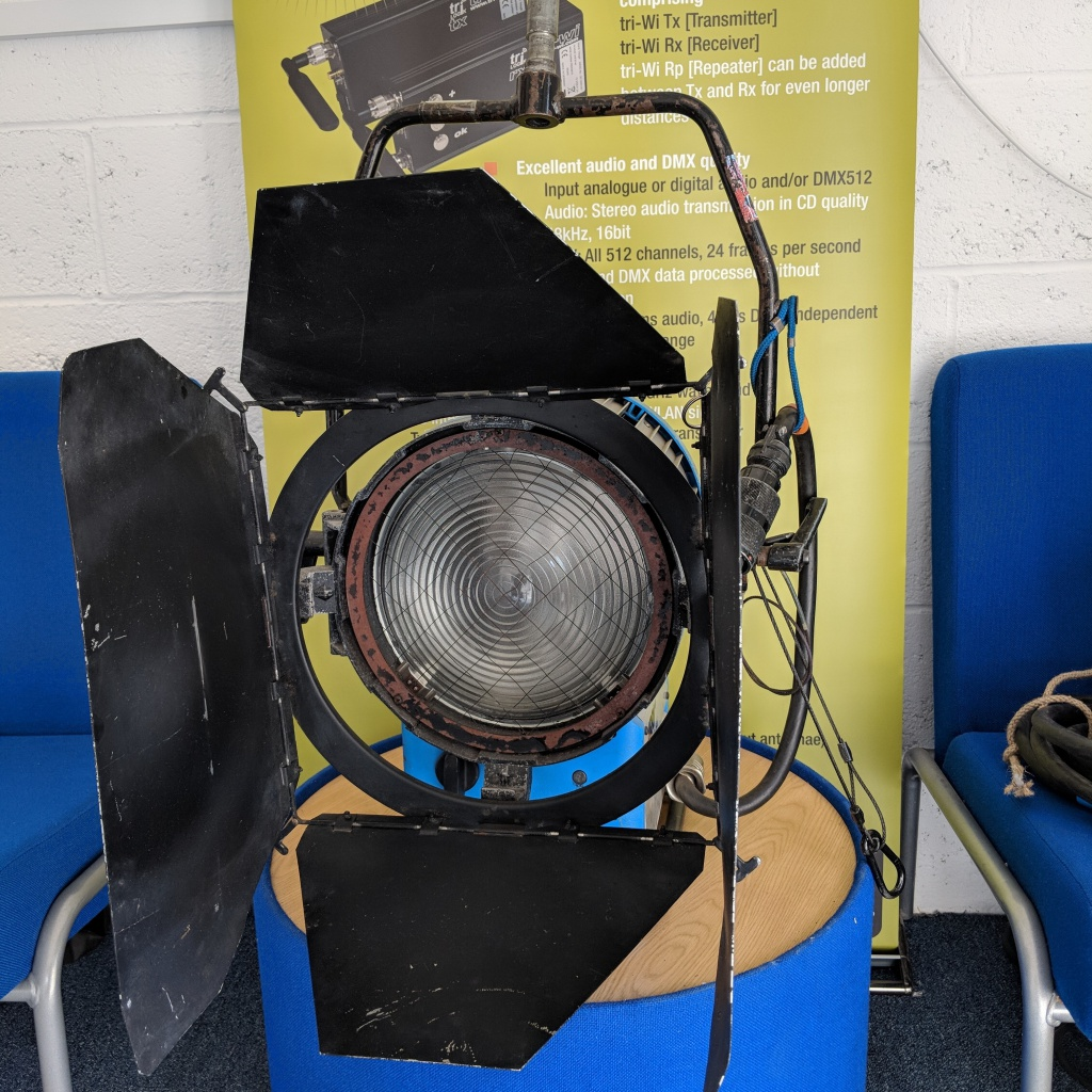 Arri-Used-2.5Kw-MSR-Compact-System-01
