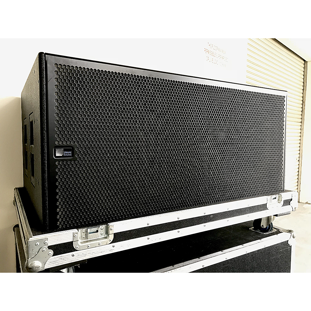 UsedMeyer Sound CQ1 / 700HP Loudspeaker / Subwoofer Package