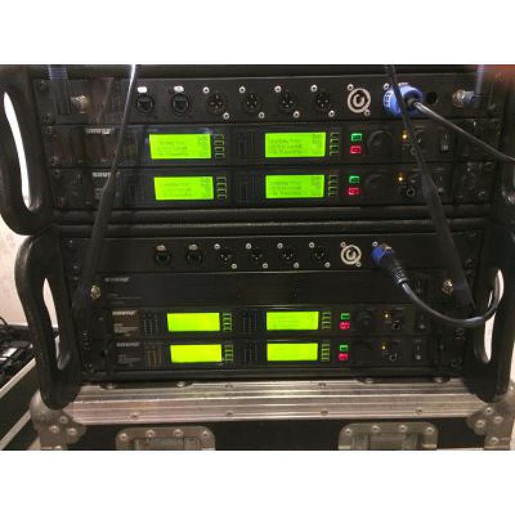 Shure UHF-R UR4D P9
