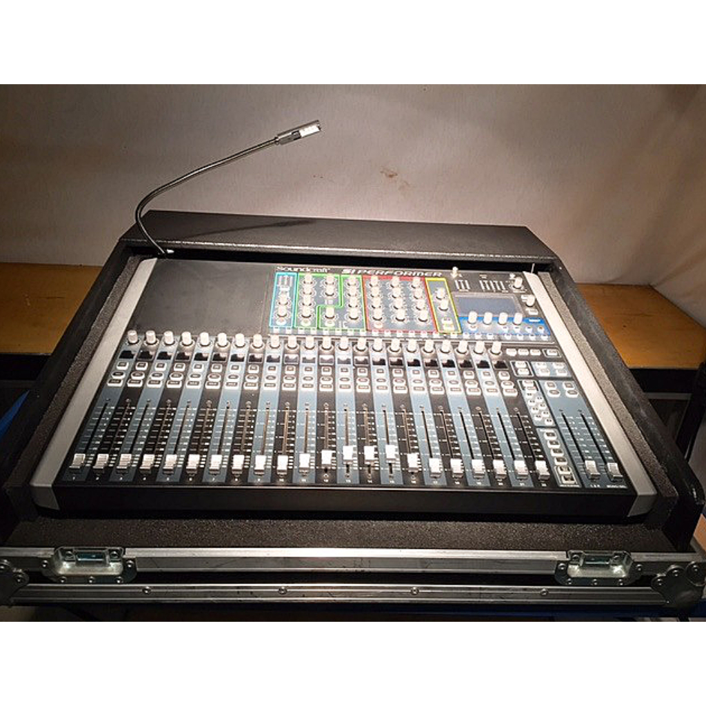 Soundcraft Performer 2 - 24ch - Includes Flightcase