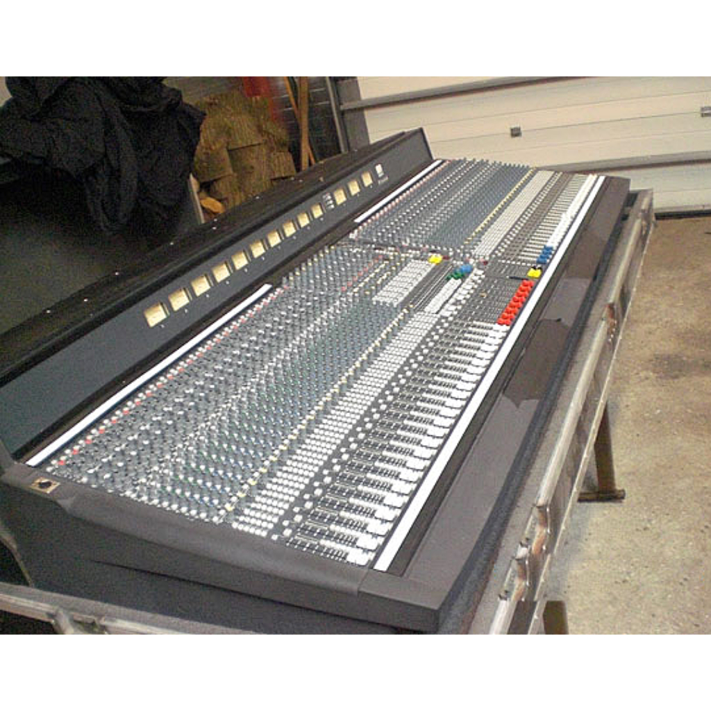 Soundcraft FOUR Series Mixing Console