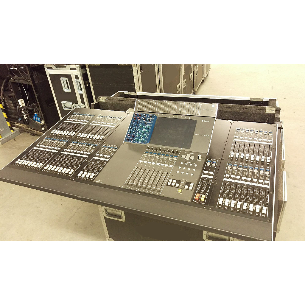 Yamaha M7CL 48 Audio Console
