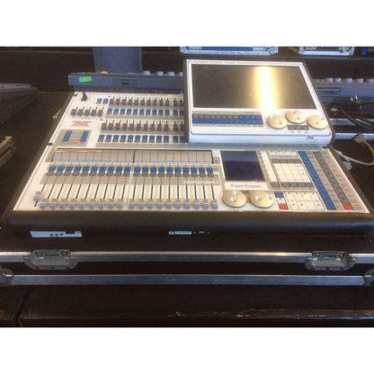 Avolites Expert Touchwing + Pearl Titan White Lighting Console
