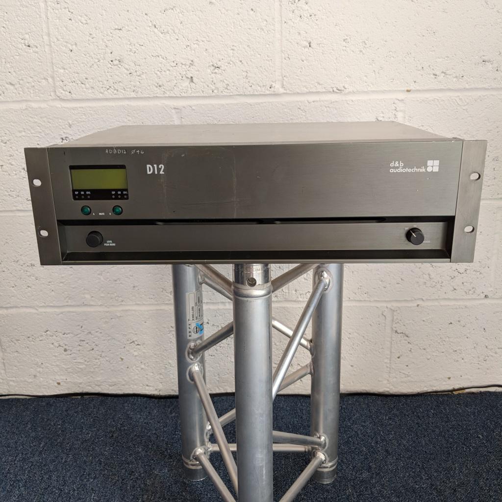 D&B-Audiotechnik-D12-Amplifier-01