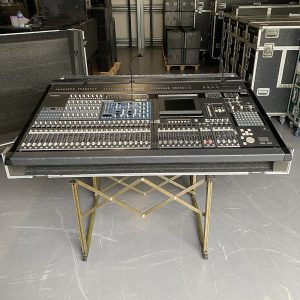 Yamaha PM5D RH Mixing Console