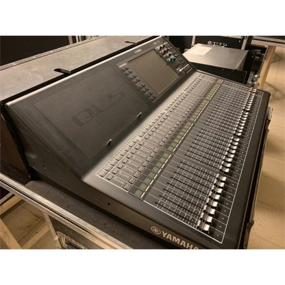 Yamaha QL5 Mixing Console Package