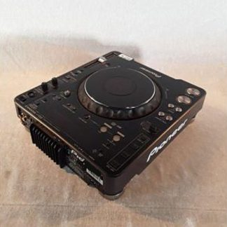Pioneer CDJ-1000MK3 Professional grade digital CD deck