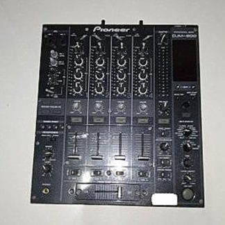 Pioneer DJM-800 4-channel high-end digital mixer